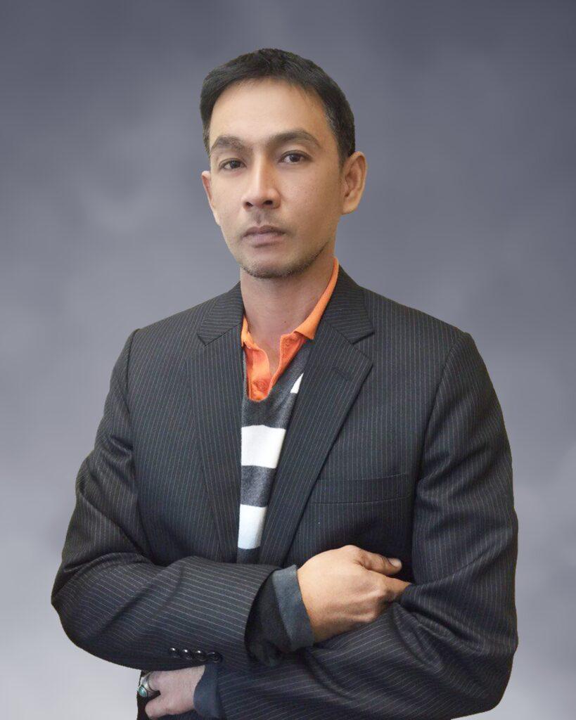 Akenarin Sukkaew : Admin Staff