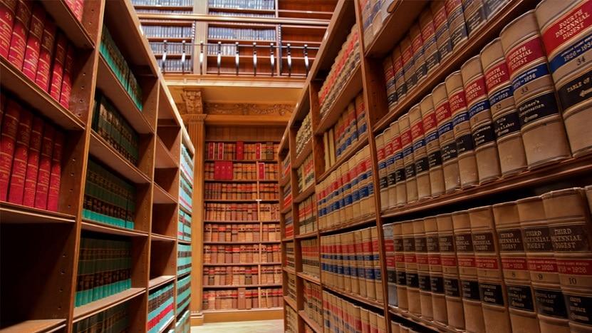 นักแปลสัญญาและกฎหมาย